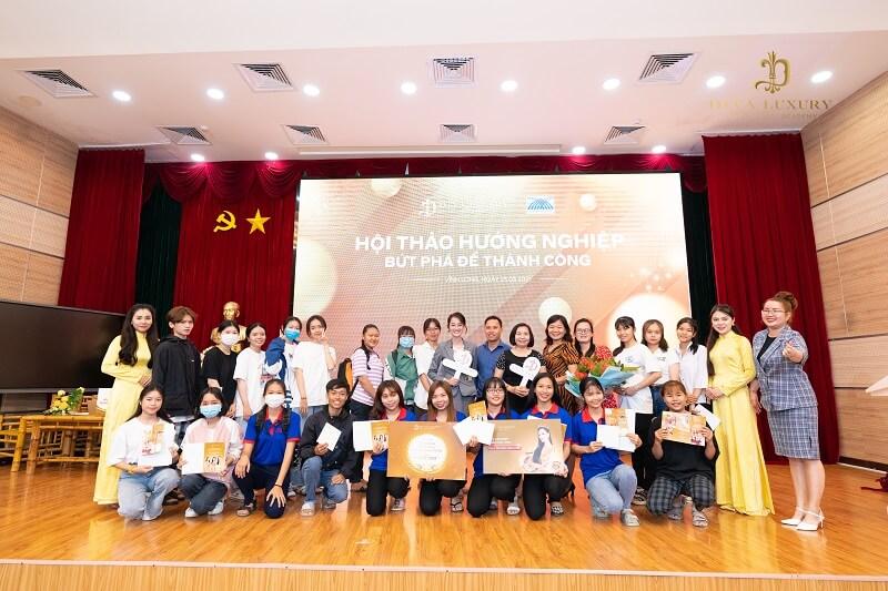 https://thamyquoctediva.com.vn/wp-content/uploads/2021/03/huong-nghiep-tai-dai-hoc-cuu-long-hoc-vien-diva-academy-8.jpg